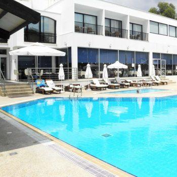 logement étudiant avec piscine à Chypre