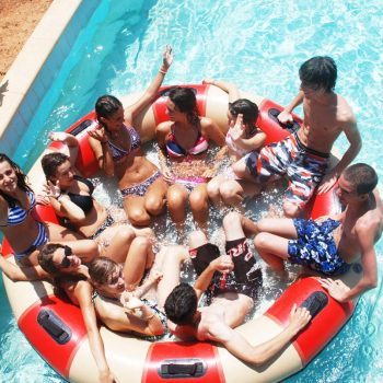 Etudiants au Water park de Chypre