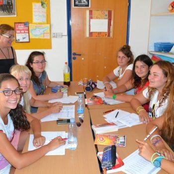 Etudiants en cours d'anglais à Chypre
